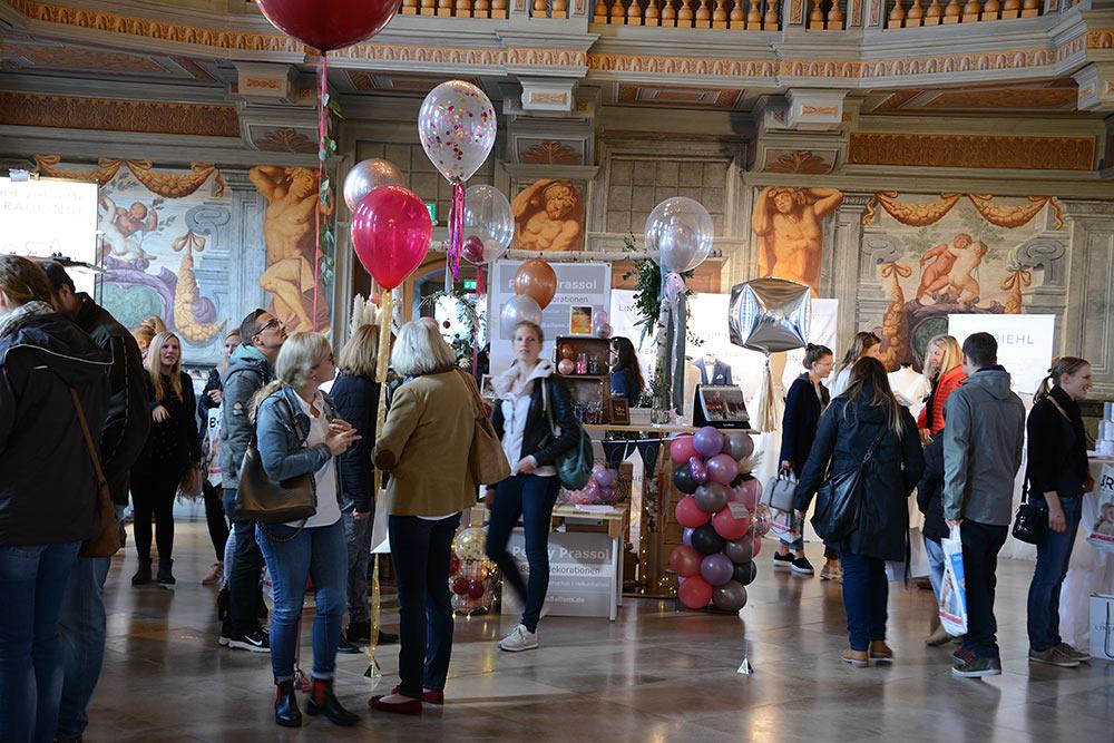 Foto Besucher auf Hochzeitsmessen in Niedersachsen