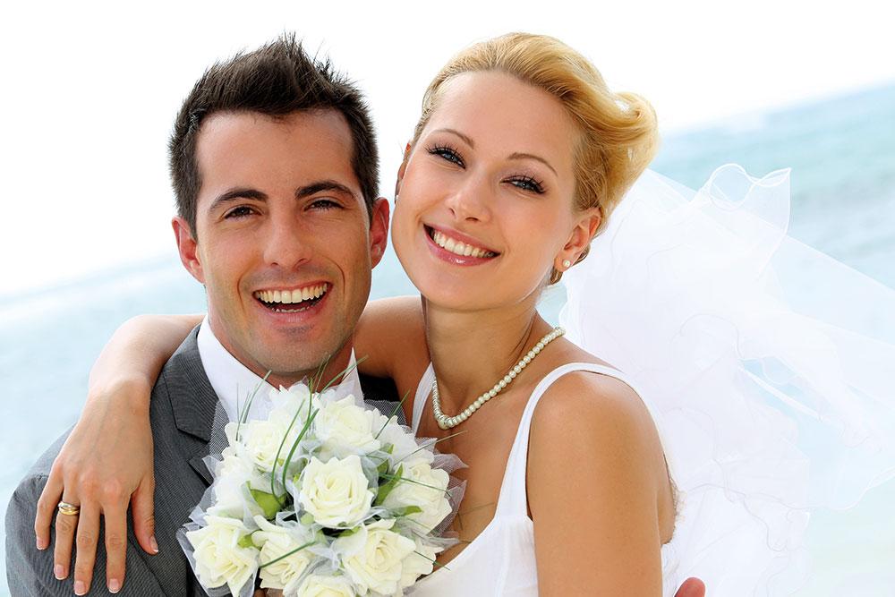 Foto glückliches Brautpaar - Infos zu auf Hochzeitsmesse Aussteller werden